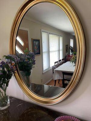 Classic oval mirror