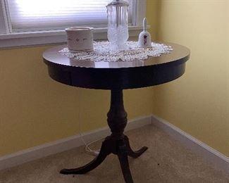 Mersman drum table