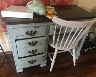 Desk $ 94.00