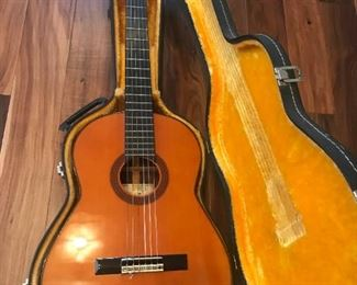 Conn Model C-31 Classical Guitar with Case $ 168.00