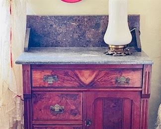 Victorian burled wood with marble top wash stand, in vety nice condition