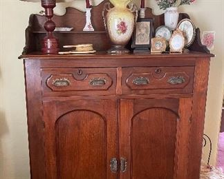 Double drawer cabinet with two