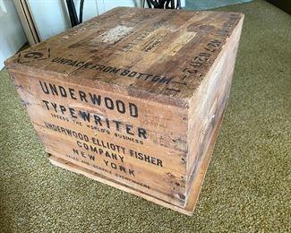 1930s Underwood typewriter shipping box