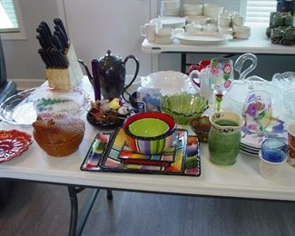 Kitchen items and assorted cookware things