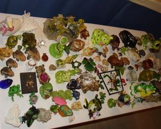 Menagerie of frog collectables!!  SO MANY!!