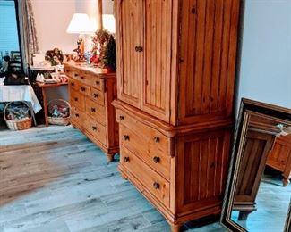 (See sale description for King bedroom set details)