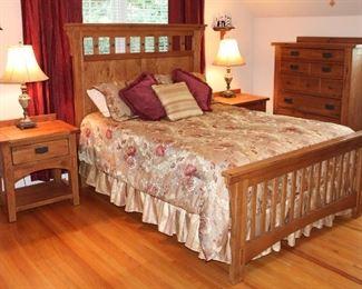 Attic Heirlooms by Broyhill Bedroom Set