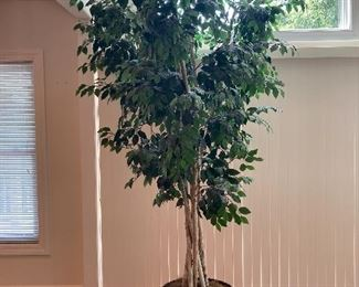 LARGE artificial tree