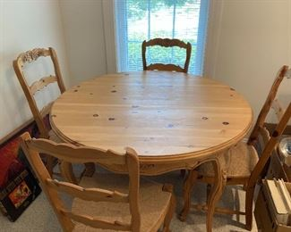 Pine kitchen table w/4 chairs