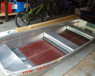 Vintage Smoker Craft Aluminum Boat with flat back and ores
