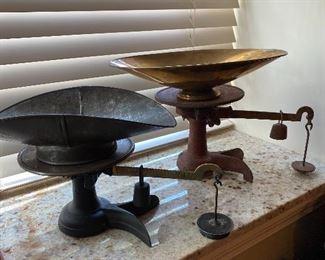 Vintage pan general store scales.