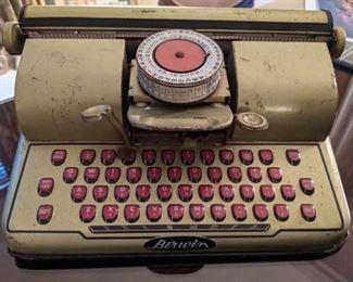 Berwin gold typewriter