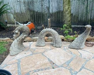 Cement 3 piece serpent