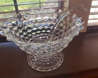 Heavy glass punch bowl w/ladle