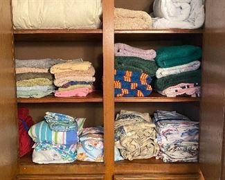 Sheets, pillow cases, bath towels, hand towels, wash cloths, beach towels, comforter