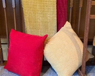 LARGE decorative pillows and soft throw bankets