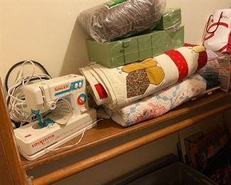 Singer Lock Stitch sewing machine  +  Quilts