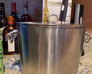 Stainless ice bucket