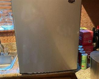 Mini refrigerator - Sanyo