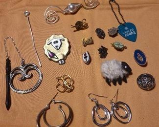 Loop earrings, dangle earrings, brooches, sheep pins, pennants