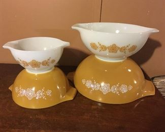 Pyrex--Like New Condition! No dishwasher in house!