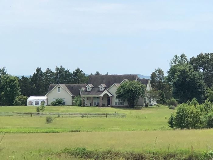 """""""Hunters Run""""  Over 4600 sq.ft on 30 Acres, 2 Stocked Ponds with Horse Barn with attached shop.   $475,000.00   Call Sarah Manning with Remax Elite 501-765-2088 or Rachel Gray at 501-733-1689"""