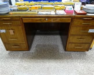 Leopold Desk -Excellent condition late 1800's