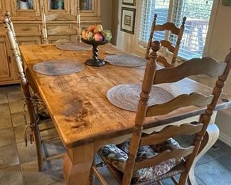 Stunning Romanian Pine dining table and chairs. Top quality piece in excellent condition!