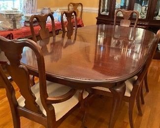 American Drew Dining Room Table and Six Chairs