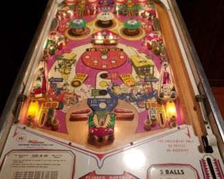 """Williams Stop """"N"""" Go pin ball machine, It's not perfect but it's pretty cool!!!"""
