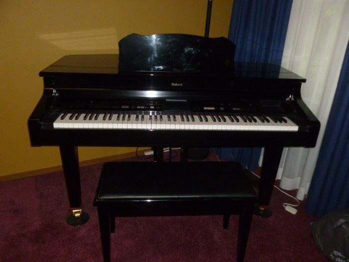 Roland Electronic Piano w/Bench..gorgeous!