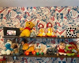 Smurf, Inspector Gadget, Ronald McDonald, Ketmit Miss piggy Fonzie and more