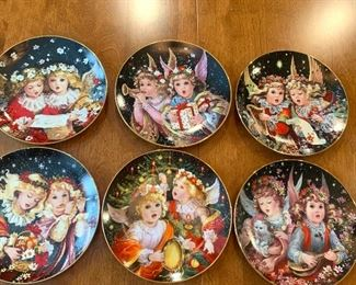 """""""Little Angels"""" collectible plates"""