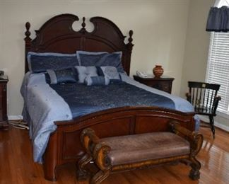 "Kathy Ireland King Bed 81"" W"