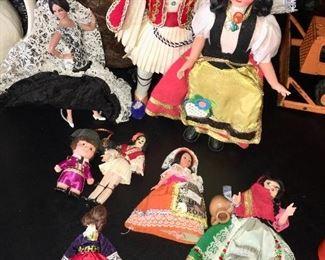 Dolls, Figurines