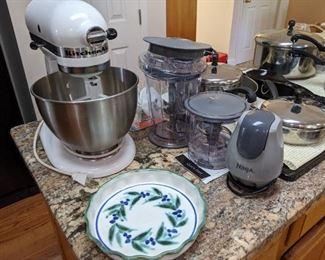 KitchenAid Stand mixer, Ninja