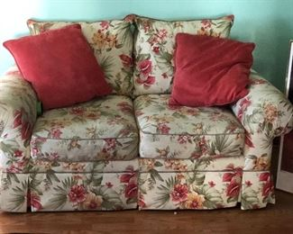 Beautiful Florida style love seat. Sofa to match and priced to fit perfect in your home or lanai