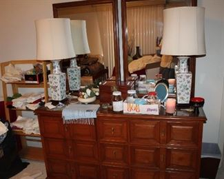 nine-drawer dresser with twin mirrors, removable glass top
