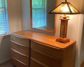 Haywood Wakefield Encore streamline 8 drawer dresser and mirror, M524 Blonde birch, champagne.           $900
