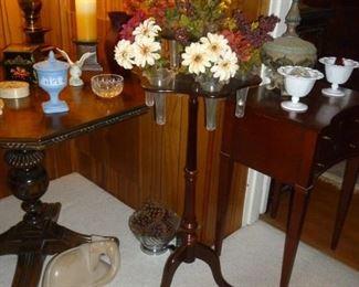Coolest flower holder table