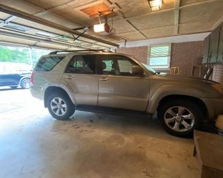 2007 Toyota 4 Runner 4 Door Limited Super Clean!! Runs great! Beautiful Car! We are taking bids on the 4 Runner!