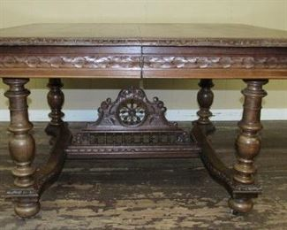 Dining Table w/Fancy Stretcher