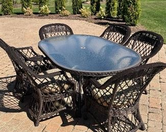 Additional view of patio table & chairs