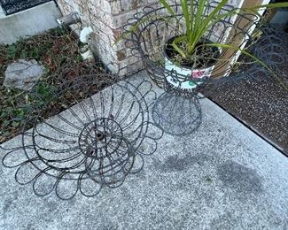 Wire plant holders