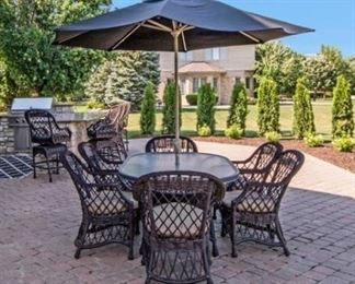 Patio set - Table, 6 chairs, umbrella & stand