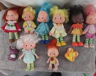 Yes, you are right. Vintage Strawberry Shortcake Dolls!! Plus, many more accessories, as listed in the sale description. Perfect condition.
