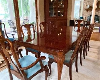 Hickory Furniture Co. Dining Table and Kincaid dining chairs, 6 arm, 6 side and table pads