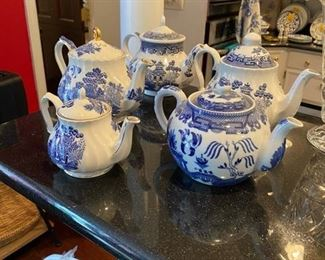 Sadler Blue Willow Teapots