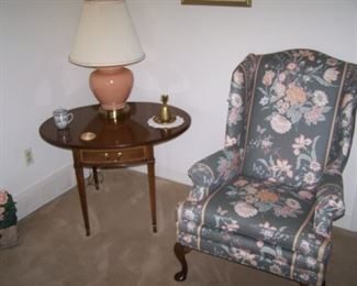 BANDED DROP-LEAF LAMP TABLE, LAMP & WING CHAIR
