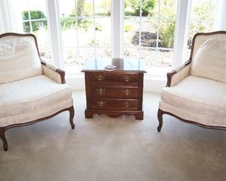 PAIR OF WHITE ARM CHAIRS & SMALL CHEST